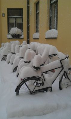 Inner yard at Punavuori, Helsinki, Finland. lol that's not even finland. Urban Bike, Winter Magic, White Lilies, Winter Season, Time Travel, Beautiful World, Winter Wonderland, Norway, Winter Cycling