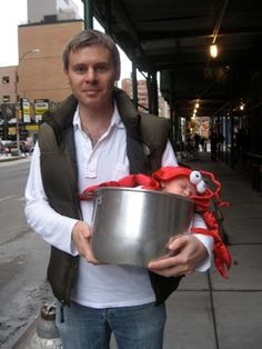 Adding the pot makes this lobster Halloween costume