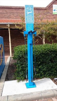 Bicycle repair station by Gunn Parker (Twitter)