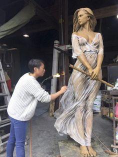 Współczesna artystka rzeźbi przy pomocy historycznych technik, a efekty zachwycają jak dzieła największych mistrzów w historii - Joe Monster