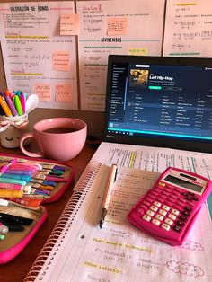 The Effective Pictures We Offer You About studying motivation time management A quality picture can College Aesthetic, Study Corner, Study Room Decor, Study Motivation Quotes, College Motivation, Study Organization, School Study Tips, Study Space, Study Areas