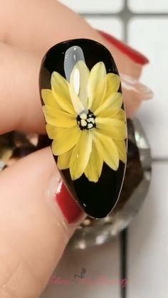 10 Autumn & Winter Transparent Effect Nails Simple Nail Art Videos, Nail Art Designs Videos, Pretty Nail Art, Beautiful Nail Art, Sunflower Nail Art, Yellow Sunflower, New Nail Art Design, Nails Design, Design Art