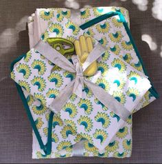 Our Banana Fanna Baby pajamas are now on sale- a tried and true favorite of many kids we know. #ecru #sale #banana #pajama #tropics #online #instore #babyquilt #thelilones