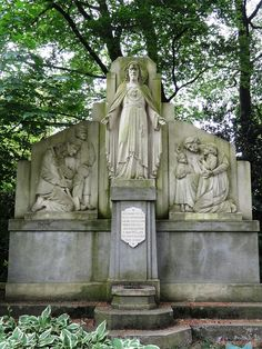 https://www.wikiwand.com/nl/Heilig_Hartbeeld_(Bakel)
