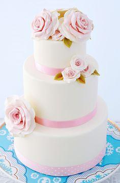 Cupcakes a diario: La tarta de las rosas y nuestra nueva workshop...