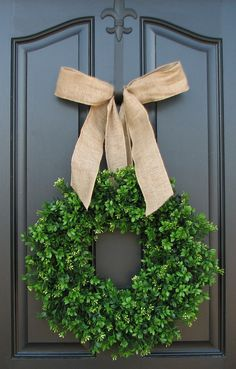 simple burlap bow and boxwood wreath