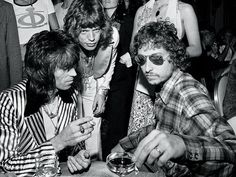 Remembering A Rock Star: Photographer Ken Regan Keith Richards , Mick Jagger , Bob Dylan , Jagger's birthday party in July 1973 photographed by Ken Regan (ROLLINGSTONE) The Rolling Stones, Keith Richards, Bob Dylan, Rock N Roll, Pop Rock, Music Love, Rock Music, My Music, Mick Jagger