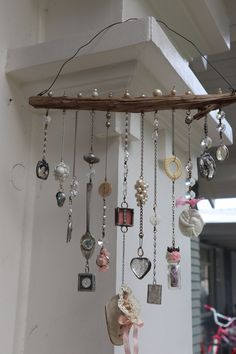 Online class Soldering 101 Bohemian Illumination-soldering for newbies Online workshop - DIY Jewelry Simple Ideen Beach Crafts, Diy And Crafts, Key Crafts, Wire Crafts, Summer Crafts, Jewelry Crafts, Carillons Diy, Sell Diy, Diy Wind Chimes