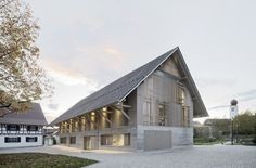 Moulded: Library by Steimle Architekten - DETAIL - Magazine of Architecture + Construction Details Cultural Architecture, Contemporary Architecture, Interior Architecture, Building Architecture, Clapboard Siding, Timber Roof, Roof Structure, Old Barns, Facade