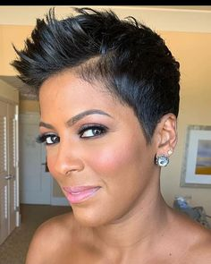 New Short Hairstyles, Short Bob Haircuts, Trending Hairstyles, Pixie Hairstyles, Pixie Cut Kurz, Tamron Hall, Natural Hair Styles, Short Hair Styles, Fine Hair