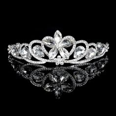 Fashion Elegant Vintage Crystal Hair Comb Wedding Crown Tiara Hair  Accessories Rhinestone Hair Jewelry Bridal Tiara And Crowns 71d9301b5649