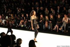 Was im nächsten Frühjahr und Sommer angesagt ist, haben uns mehr als 50 Designer auf der Mercedes-Benz Fashion Week Berlin 2013 gezeigt. Wir waren live bei der AFRICA FASHION DAY Show dabei und durften die neuesten Kreationen angesagter Designer bewundern... #MBFWB