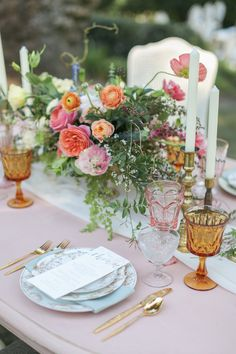 Blush and gold table decor