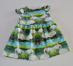 Met dit nieuwe gratis patroon maak je zelf de liefste babyjurkjes.   Voor dit patroon kies je best soepele katoentjes. Op de rug zit een ...