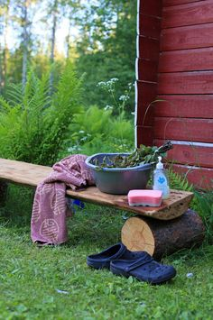 Saunareissu Sauna Shower, Sauna Ideas, Finnish Sauna, Best Cleaning Products, Little Island, Saunas, Cozy Place, Happy Summer, Travel Memories