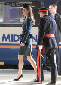 Kate Middleton Photo - Kate Middleton and The Queen Tour Leicester