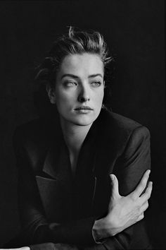Tatjana Patitz, New York, 1987 by Peter Lindbergh Studio Portrait Photography, Portrait Studio, Photography Women, Creative Photography, Fashion Photography, Glamour Photography, Lifestyle Photography, Editorial Photography, Peter Lindbergh