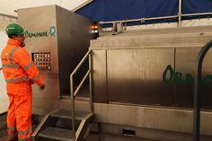 • Čištění turbín • Čištění filtrů • Čištění trubkových a deskových výměníků • Čištění technologických dílů • Čištění ventilů a čerpadel • Čištění lešení • Čištění specializovaných dílů • Nádoba na čištění o velikosti 1 m x 3 m • Neabrazivní chemické čištění • Nabízí úsporu až 95 % na výměně dílů a technologií