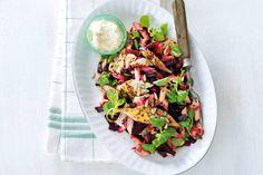 Ook lekker als lunchgerecht - Recept - Pastasalade met gerookte makreel en biet - Allerhande