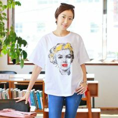 KOREA Women's shopping mall. sell fashionable clothes for housewives. [CANMART] #Marilyn Monroe Marion Gold Girls TEE/ SIZE : FREE  / 25.80 USD