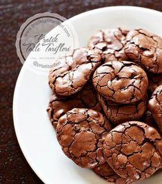 Brownie kurabiye pek bilinmeyen bir kurabiye tarifidir , şerbetli kurabiyemizi yapmak için öncelikle malzemeleri tedarik etmekle işe koyuluyoruz
