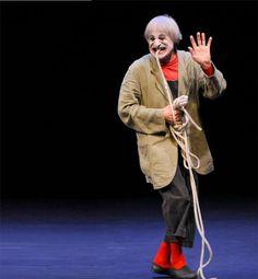 1935-2016 * Clown Dimitri ist tot !! Bild: auch mit 74 Jahren bezaubert Pantomime und Clown Dimitri das Publikum mit dem berühmtesten Lachen der Schweiz.