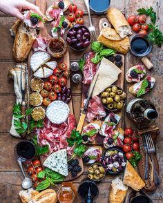 67 Ideas wedding food platters appetizers cheese plates for 2019 Food Platters, Cheese Platters, Cheese Table, Food Buffet, Party Platters, Cheese Food, Party Trays, Antipasto Platter, Tapas Platter