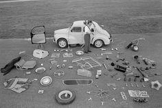 1955: Fernand Raynaud et la Renault 4CV et ses accessoires