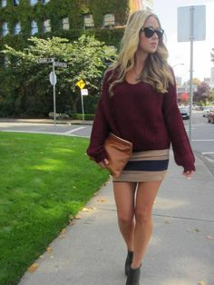 Oversize sweater and stripes.