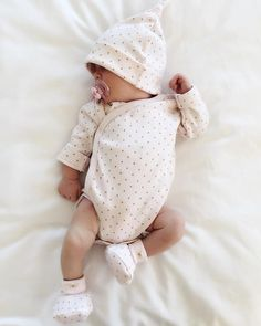 Cute Baby Pictures, Baby Photos, Cute Kids, Cute Babies, Delena, Cute Baby Clothes, My Baby Girl, Baby Wearing, Baby Fever
