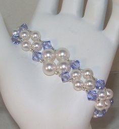 Swarovski Crystal Earrings, Swarovski Pearls, Cuff Jewelry, Wedding Jewelry, Jewelery, Making Jewelry For Beginners, Jewelry Making, Bracelet Crafts, Beaded Bracelet