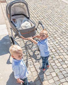 Der Klassiker unter den Kinderwagen. Stell dir mit uns deinen Traumkinderwagen zusammen. @storchenstube  #kinderwagen #eltern #schwanger #beratung #shopping Future Maman, Baby Strollers, Flott, Children, Stuff Stuff, Daddy To Be, Parents, Kid Furniture, Tote Bag