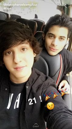 Chris y Eric O Love, Love You So Much, I Love Him, Cnco Snapchat, Erik Brian Colon, Memes Cnco, Five Guys, 23 November, Ricky Martin