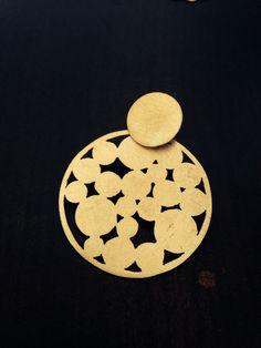 Aros bronce calados con pin de plata
