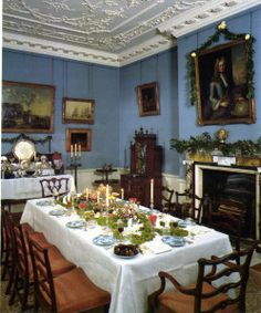 Top victorian dining room designs for your cozy home Victorian Rooms, Victorian Home Decor, Victorian Farmhouse, Victorian Furniture, Victorian Christmas, English Farmhouse, English Christmas, Victorian Houses, Victorian Era
