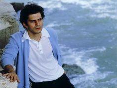 """""""In qualche parte del mondo"""": a marzo l'Italia ricorda Luigi Tenco per il suo compleanno.Appuntamenti in tutta la penisola dal 18 al 25 marzo. Già ven..."""