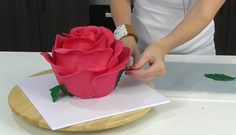 Woman Makes An Incredibly Beautiful Cake That Looks Just Like A Rose Cake Icing, Eat Cake, Cupcake Cakes, Cupcakes, Cupcake Ideas, Beautiful Cakes, Amazing Cakes, Most Popular Desserts, Cake Shapes