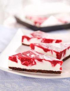 Co si budeme nalhávat, moučník může být sebelepší, ale každý si stejně nejdříve všimne toho, jak vypadá. Zkuste proto oslnit nejen mlsné jazýčky, ale i kritické oči (třeba vaší tchyně…)! Cheesecake Recipes, Cookie Recipes, Can I Eat, Something Sweet, No Bake Cake, Baked Goods, Sweet Tooth, Easy Meals, Food And Drink