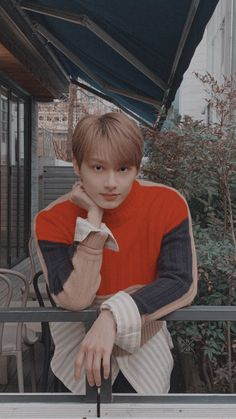 Jonghyun, Shinee, Kpop Wallpapers, Seventeen Wallpapers, Nct Winwin, Mamamoo Solar, Jaehyun Nct, Woozi, Wonwoo