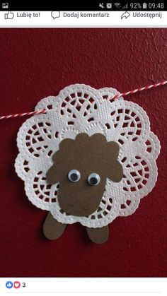 DIY: Osterlämmchen aus Tortenspitze - DIY projects from Ars Vera(e) - Eid Crafts, Bible Crafts, Diy Crafts For Kids, Easter Crafts, Christmas Crafts, Diy Niños Manualidades, Sheep Crafts, Easter Lamb, Church Crafts