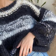Knitting Stitches, Hand Knitting, Pulls, Knitting Projects, Knitwear, Knit Crochet, Winter Fashion, Sweaters For Women, Couture