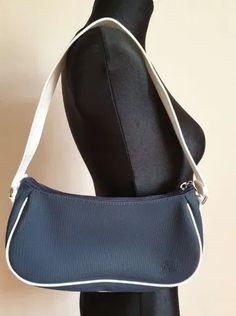 Piękna torebka sportowa Lacoste, jak nowa, prawie nie noszona. Oryginalna. Lacoste, Sling Backpack, Safari, Zara, Perfume, Backpacks, Fashion, Moda, Fashion Styles