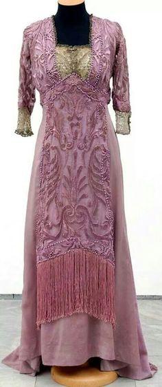 Redfern engagement dress 1909