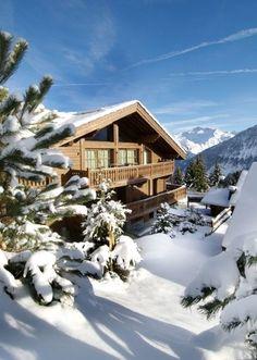 Chalet sous la neige à Courchevel