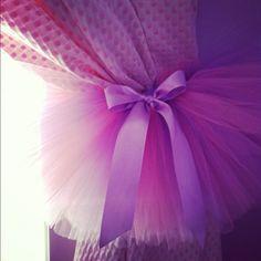 Cute curtain tutu tiebacks :) this too @Kumchant Srisuwan brown