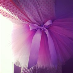 Cute curtain tutu tiebacks :) this too @Kumchant Srisuwan brown