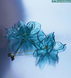 flower from plastic bottle