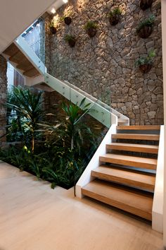 25 perfect indoor garden design ideas for fresh house 8 Office Plants, Garden Office, House Stairs, Basement Stairs, Wood Stairs, Glass Stairs, Garden Stairs, Brick Garden, Stone Stairs