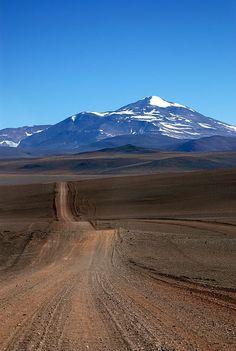Hacia el Veladero (es una mina con diseño a cielo abierto, donde se extraen minerales como oro y plata), San Juan, Argentina