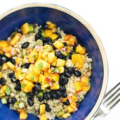Black Bean and Quinoa Bowl With Peach Salsa Make this ahead, and you're set! Try alternating in butternut squash or sweet potatoes for the salsa during winter.   INGREDIENTS: Quinoa, peach salsa, black beans, green onions, cumin, chili powder, salt, and pepper.